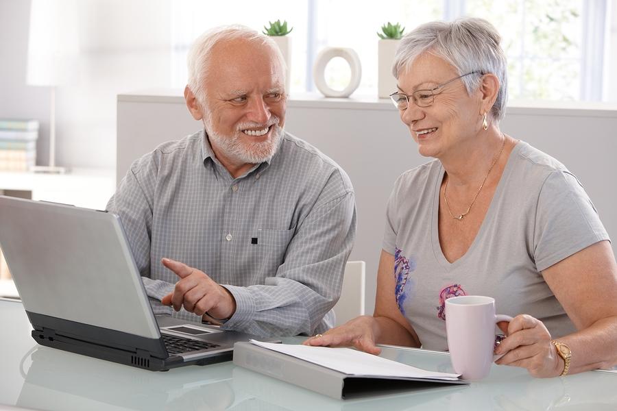 Starší a múdrejší… Platí to aj v online svete?
