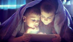 Dnešní otcovia cítia rovnakú zodpovednosť za finančný rozpočet rodiny ako za jej kybernetickú bezpečnosť